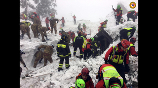 Questions swirl about Italy response to snow-isolated hotel