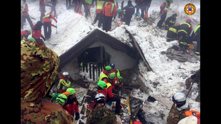 Toll from Italy avalanche climbs to 14 as hopes diminish