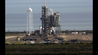SpaceX trying again to launch rocket from historic moon pad