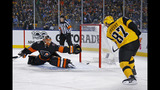 Crosby scores 34th, Penguins top Flyers 4-2 at Heinz Field
