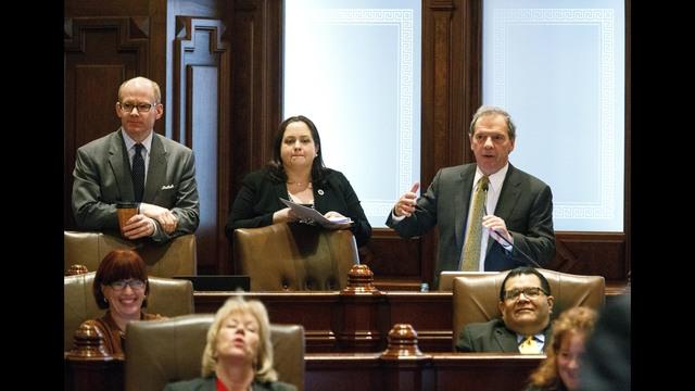 Illinois Senate faces tough votes on taxes, school funding ...