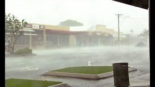 Powerful cyclone slams into Australia