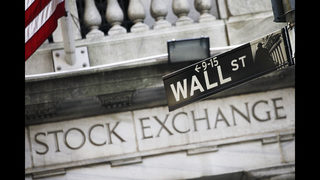 US stock indexes close higher as consumer confidence gains