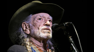 Willie Nelson back with new songs on