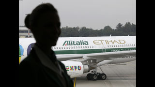 Alitalia faces bankruptcy after employees vote down plan