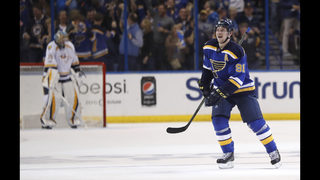 Tarasenko scores 2, Blues beat Predators 3-2 to even series
