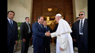 Security tight as pope celebrates open-air Mass in Cairo