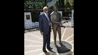 Cleveland Indians unveil statue of Frank Robinson