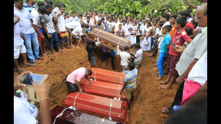 Sri Lanka rescuers find bodies as flood deaths reach 146