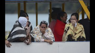 15 still missing after tourist boat sinks in Colombia