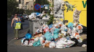 Garbage crisis hits Greek capital over job freeze
