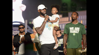 LeBron calls for love, unity before taking swipe at Trump