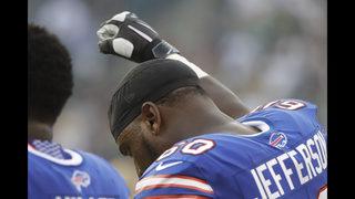 Sight of Eagles hugging inspires Bills lineman to raise fist