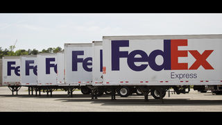 1 employee dead after overnight shift at FedEx Hub, according to MPD