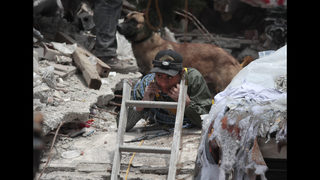 Families of missing in Mexico quake still hold out hope