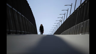 Closure at busy US-Mexico border crossing promises headaches