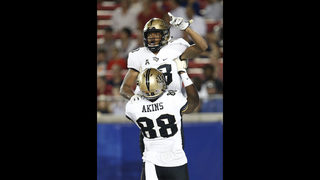 UCF stays undefeated with 31-24 win over SMU