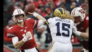No. 5 Wisconsin wins slugfest against No. 19 Michigan 24-10