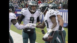 Foles throws 4 TDs, Eagles get first-round bye