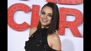 Kunis named woman of the year by Harvard