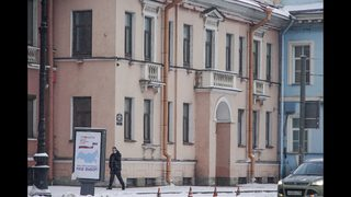 Ex-workers at Russian