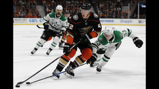 Miller stops 41 shots, Ducks beat Stars 2-0