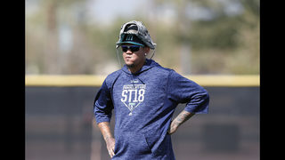 Hernandez expected to miss 1 spring start for Mariners