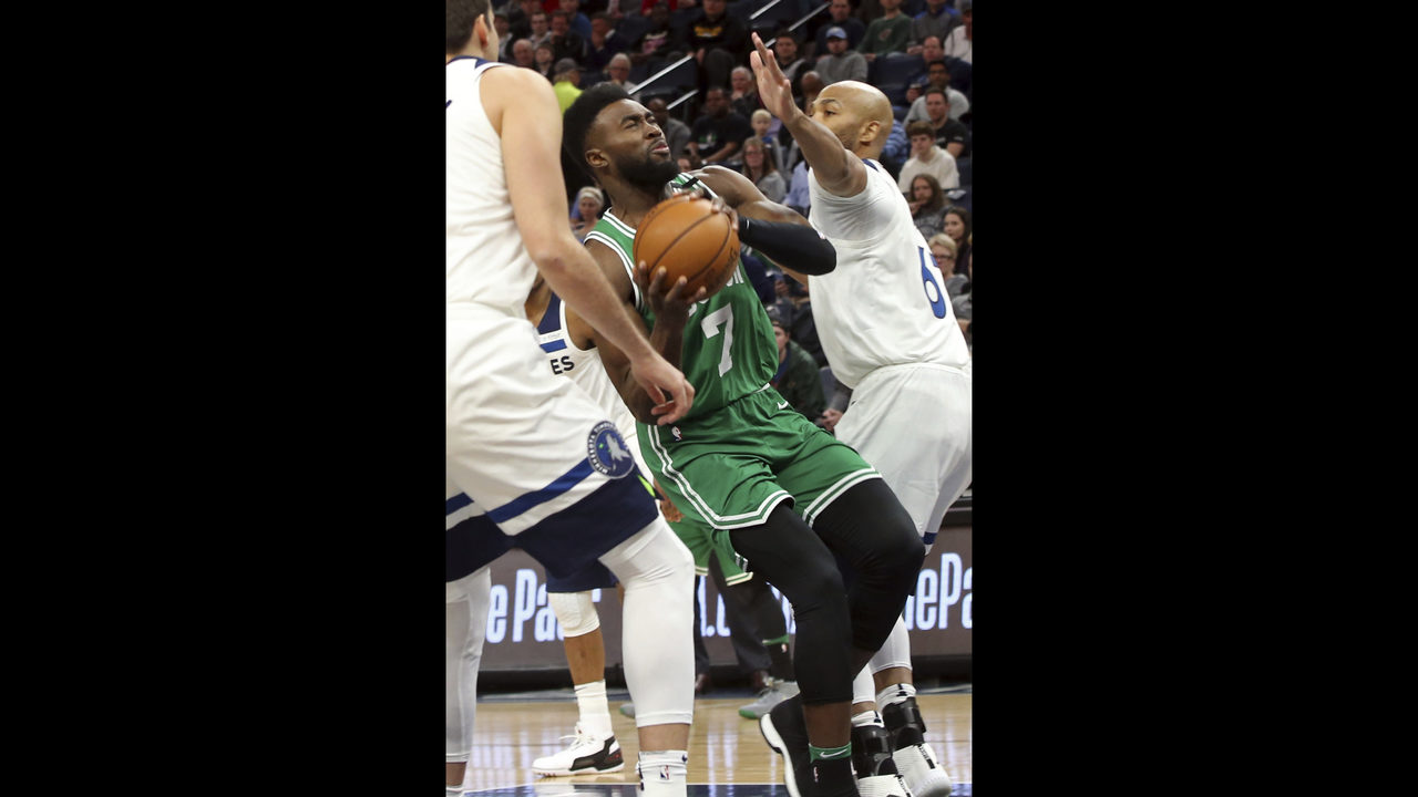0e6731660818 Irving returns to carry Celtics past Timberwolves 117-109 - icFlorida
