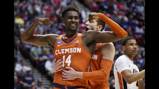 DeVoe, Clemson rout cold-shooting Auburn to reach Sweet 16