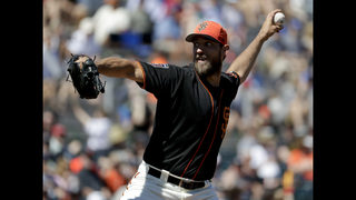 Bumgarner breaks hand when hit by line drive, needs surgery
