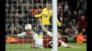 10-man Atletico and Arsenal end 1-1 in Europa semifinal