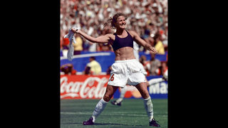 Hall of fame to redo soccer star Brandi Chastain plaque