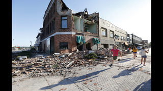 Tornado stuns Iowa town but residents say they