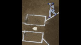 Kemp goes deep twice, Dodgers blow out Brewers 11-2