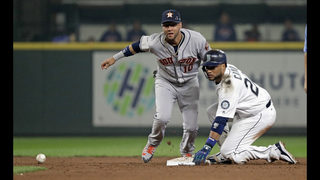 Cano homers late, lifts Mariners to 7-4 win over Astros