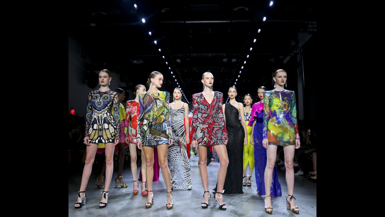 641ccd5485d Naeem Khan creates an ode in color
