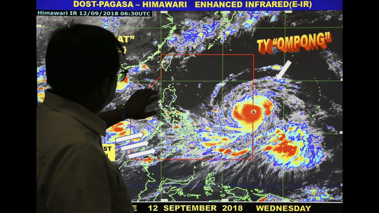 Resultado de imagen para Typhoon Ompong Philippines airports