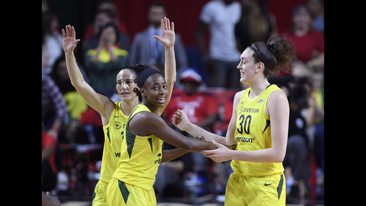 WNBA: Sami Whitcomb Signs Multi-Year Deal to Stay with Seattle Storm