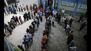 Maldives election begins amid opposition cry of unfairness