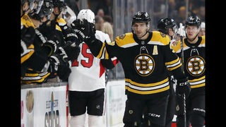 Bergeron has hat trick, Pastrnak adds 4 points as Bruins roll