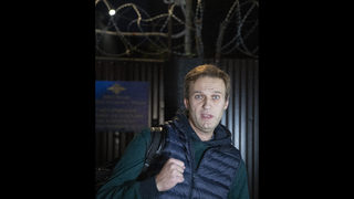Navalny accepts National Guard challenge to a verbal