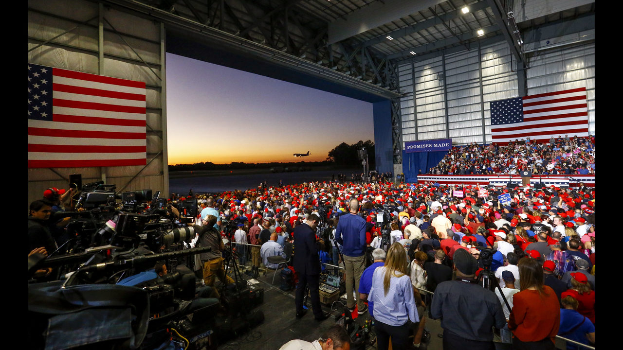 Trump S Road Show In Florida Says Democrats Too Extreme Wsoc Tv