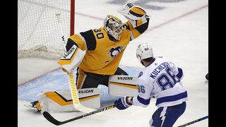 Point scores 3 PP goals in 1:31, Lightning beat Penguins 4-3