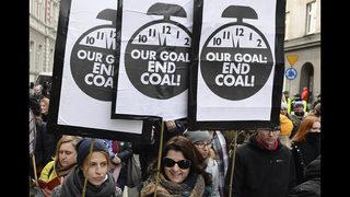 Protesters disrupt US fossil fuel event at UN climate talks