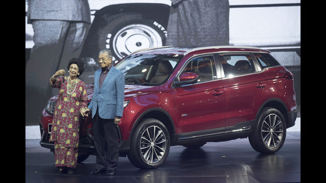 Malaysia S Proton Launches 1st Suv With China S Geely Fox13