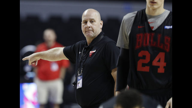 e3bbe936f19b Chicago Bulls coach Jim Boylen directs his players during a basketball  practice at Mexico City Arena in Mexico City