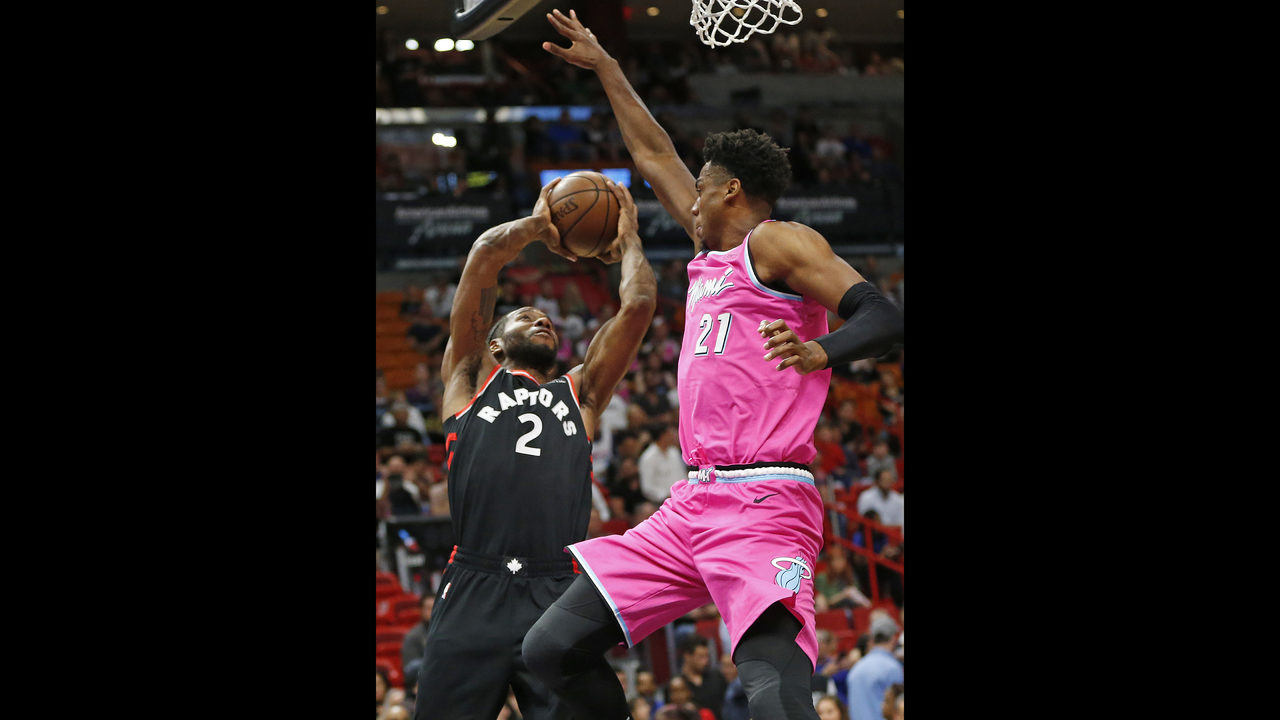 a9552c46d2c Leonard scores 30, Green's 3 lifts Toronto past Heat 106-104 | FOX23
