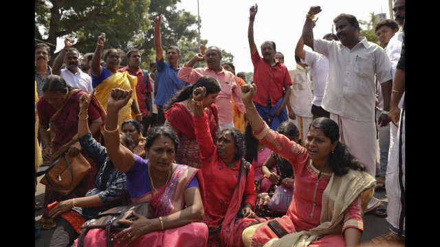 Millions of Indian women form chain for gender parity   KIRO-TV