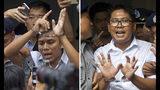 ARCHIVO - En esta combinación realizada de dos fotografías, los periodistas Kyaw Soe Oo, izquierda, y Wa Lone, ambos de la agencia noticiosa Reuters, son escoltados esposados por la policía afuera de la corte en Yangón, Myanmar, el 3 de septiembre de 2018. (AP Foto/Thein Zaw, archivo)