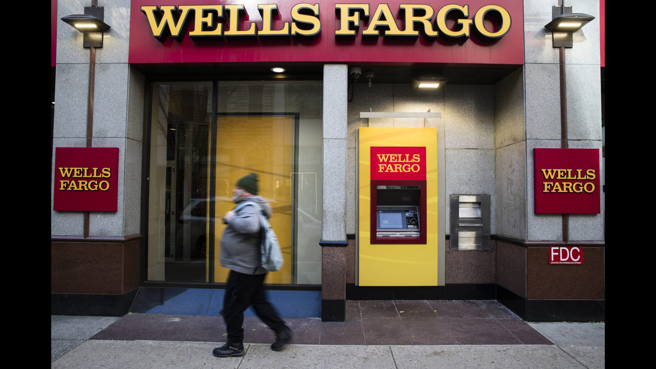 Hampered By Scandals Wells Fargo S Profits Stagnate Wsb Tv